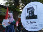 puluhan-anak-dari-kampung-joho-ikut-berduka-atas-wafatnya-presiden-ke-3-bj-habibie.jpg