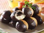 resep-donat-pisang-isi-cokelat-ini-pasti-jadi-menu-bekal-favorit-si-kecil-besok-pagi.jpg