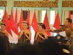 residen-republik-indonesia-joko-widodo-meminta-para-penari-hambabar-batik.jpg