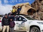 satu-keluarga-di-indonesia-keliling-dunia-dengan-mobil.jpg