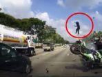 screenshot-kecelakaan-mengerikan-yang-melibatkan-kawasaki-ninja-dan-mobil-sedan_20170727_154018.jpg