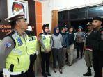 sejumlah-personel-keamanan-saat-patroli-di-kpu-wonogiri-kamis-23052019-malam.jpg