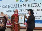 senior-menajar-rekor-muri-dunia-indonesia-sri-widarti.jpg