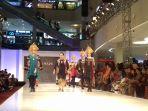 solo-batik-fashion-2017_20171014_190256.jpg