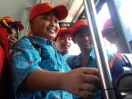 sosialisasi-membayar-bus-batik-solo-trans-memakai-e-money_20161013_224250.jpg