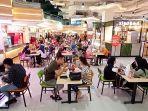 suasana-food-court-solo-grand-mall-saat-momem-libur-natal.jpg