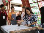suasana-internasional-batik-short-course-2017-selasa-24102017_20171024_175956.jpg