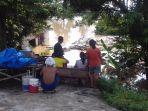 sungai-bengawan-solo-di-kawasan-kelurahan-sewu-meluap-3_20161129_190738.jpg