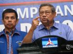 susilo-bambang-yudhoyono-kanan-didampingi-sekjen-partai-demokrat-hinca-panjaitan_20180723_081808.jpg