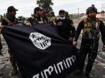 tentara-irak-memperlihatkan-bendera-isis.jpg