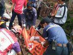 tim-medis-pmi-kota-malang-kecelakaan-malang-kereta-api.jpg