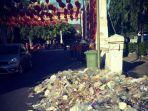 tumpukan-sampah-di-sekitar-kawasan-pecinan.jpg