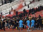 ultras-malaya-diamankan-seusai-pertandingan-kontra-timnas-indonesia-melawan-timnas-malaysia.jpg