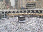 umat-muslim-mengelilingi-kabah-saat-pelaksanaan-ibadah-haji.jpg