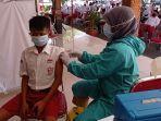 vaksinasi-untuk-pelajar-tingkat-smp-dan-sederajat-dilakukan-di-pendopo-kabupaten-w.jpg