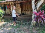 warga-menunjukkan-patok-tanah-proyek-jlt-di-desa-manisharjo-kecamatan-be.jpg