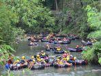wisatawan-saat-berwisata-susur-sungai-di-watu-kapu-klaten-minggu-482019.jpg