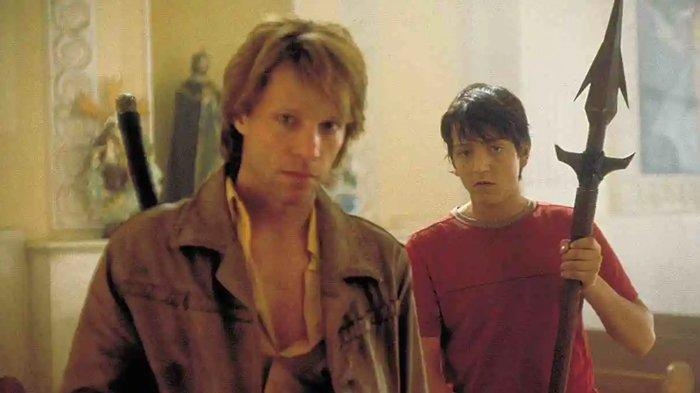 Adegan film Vampires: Los Muertos, dibintangi Bon Jovi.