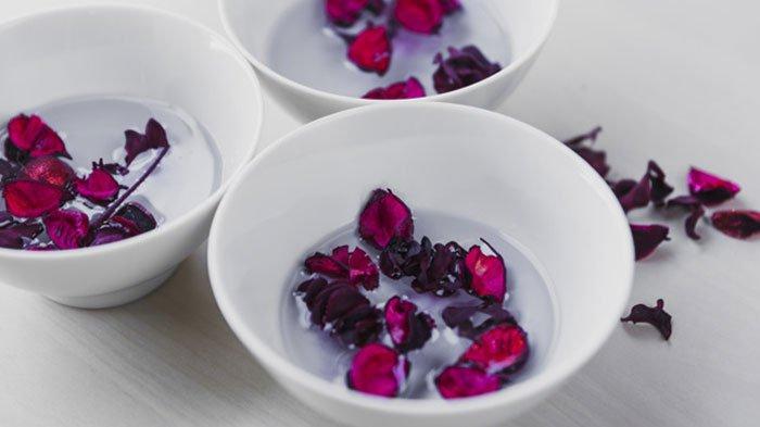 5 Cara Menggunakan Air Mawar untuk Menghilangkan Jerawat, Bisa Dicampur dengan Bahan Alami
