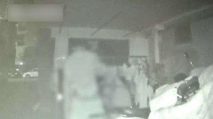 CURIGA Pakaian Dalamnya Selalu Ada Noda Kuning saat Dijemur, Wanita Ini Syok Lihat Aksi Pria di CCTV