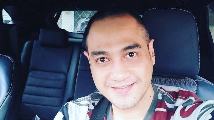 Aktor Ferry Irawan dikabarkan sakit keras hingga harus disuntik sebanyak 15 suntikan