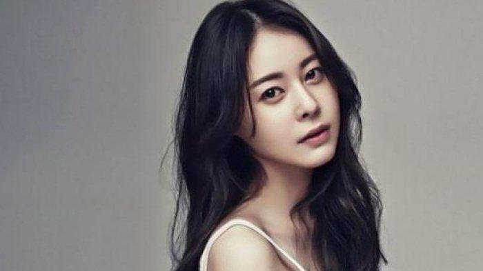 Aktris Korea Heo Yi Jae.