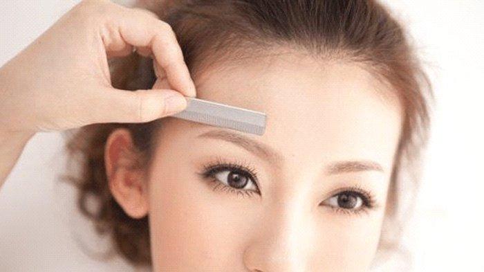7 Trik Mudah Cukur Alis Sendiri di Rumah dari Beauty Vlogger Populer, Hasilnya Seperti di Salon