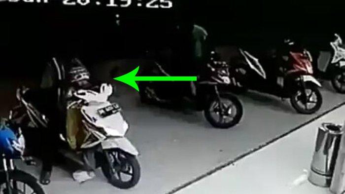 Suka Boncengkan Anak Kecil di Depan Saat Naik Motor Matic? Mungkin Video Ini Bisa Buat Pembelajaran!