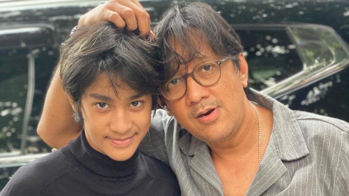 Tak Kalah dari Raffi-Nagita, Andre Taulany Hadiahi Apartemen Mewah Untuk Anaknya yang Baru Lulus SD