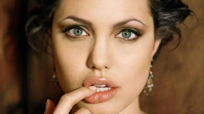 5 Cara Membuat Bibir Terlihat Penuh atau Tebal Tanpa Perlu Melakukan Lip Filler