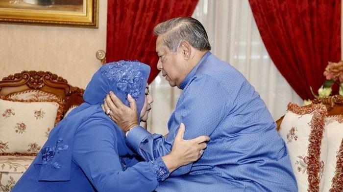 Tangis dan Curhat SBY di Malam Pertama Tanpa Ani Yudhoyono, 'Ini Lebaran Pertama Saya Tanpa Ibu'