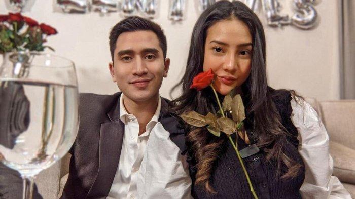 Rayakan Hari Valentine, Anya Geraldine & Verrell Bramasta Pamer Potret Dinner Romantis