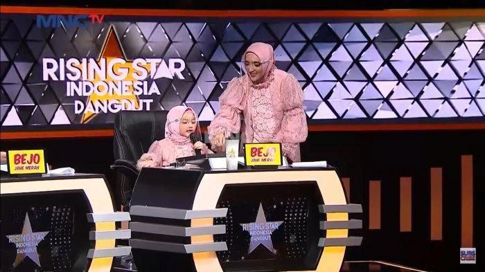 Arsya dan Ashanty saat di acara Rising Star Indonesia Dangdut.