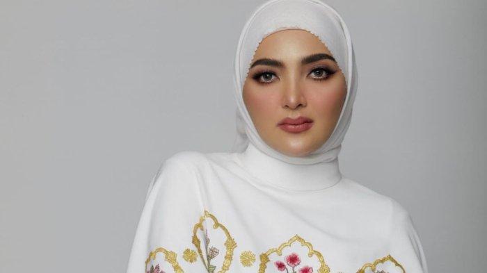 Pamer Foto Pakai Hijab Bikin Pangling, Ashanty Langsung Banjir Pujian hingga Diminta Tak Lepas