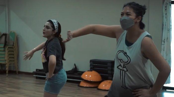 Ashanty dinilai tidak fokus saat berlatih menari