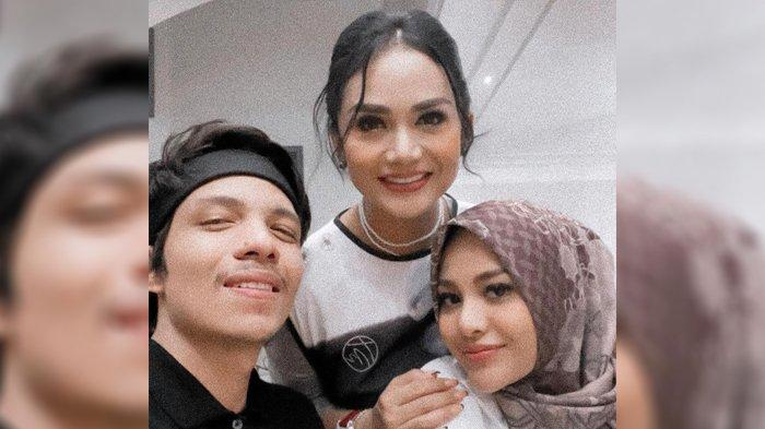 LIHAT Foto Lawas Krisdayanti, Atta Puji Mertuanya 'Bibir Mimi Tipis', Aurel Langsung Sinis: Terus?