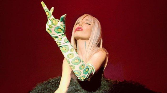 DOWNLOAD MP3 Ava Max - Kings & Queens, Lengkap dengan Lirik Lagu, Unduh di Sini!