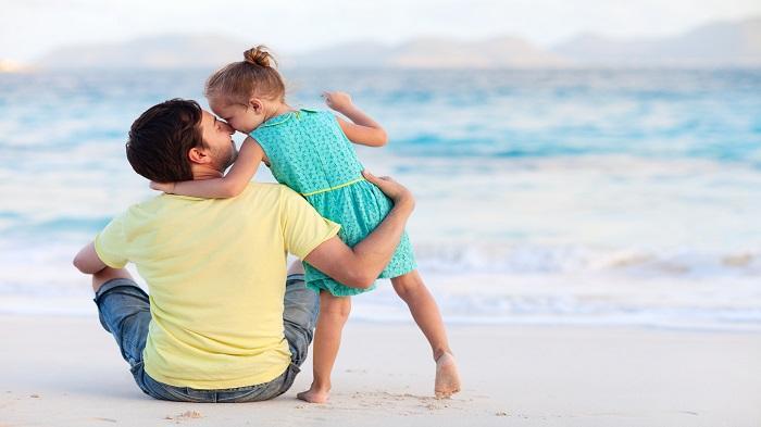 Ilustrasi ayah dan anak untuk memperingati Hari Ayah Sedunia