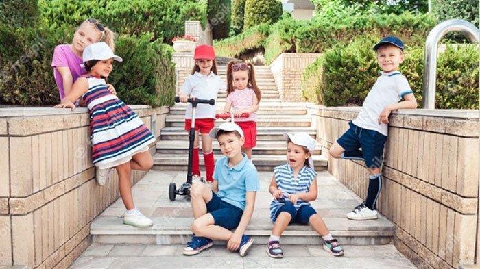 4 Hal yang Perlu Diperhatikan sebelum Beli Pakaian Anak, Pertimbangkan Bahan agar si Kecil Nyaman