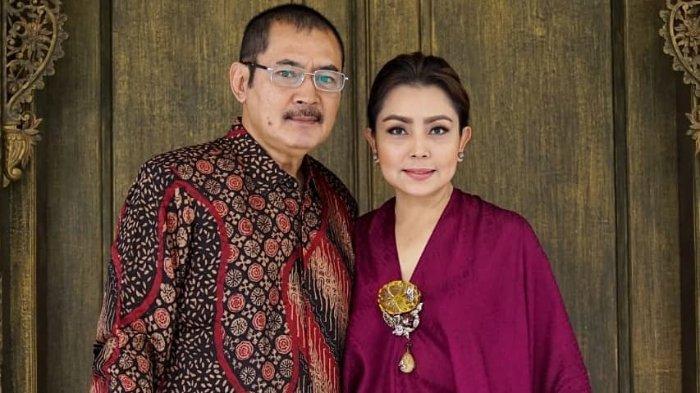 Bambang Trihatmodjo dan Mayangsari