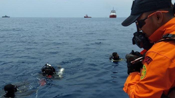Viral Kisah Penyelam yang Evakuasi Lion Air JT610, Mengaku Hanya Bisa Menangis di Dalam Air