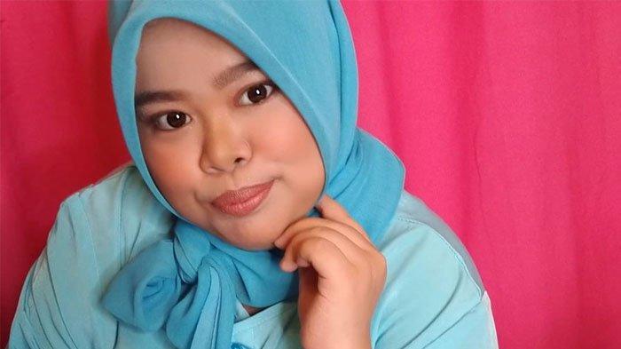 Beauty vlogger Rahmawati Kekeyi