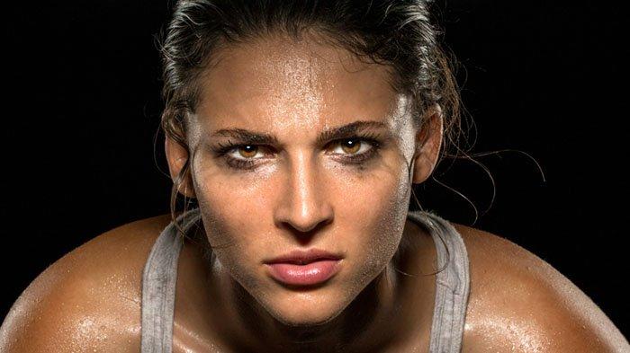 Berkeringat saat olahraga