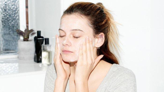 5 Perawatan Wajah yang Wajib Dilakukan Sebelum Tidur