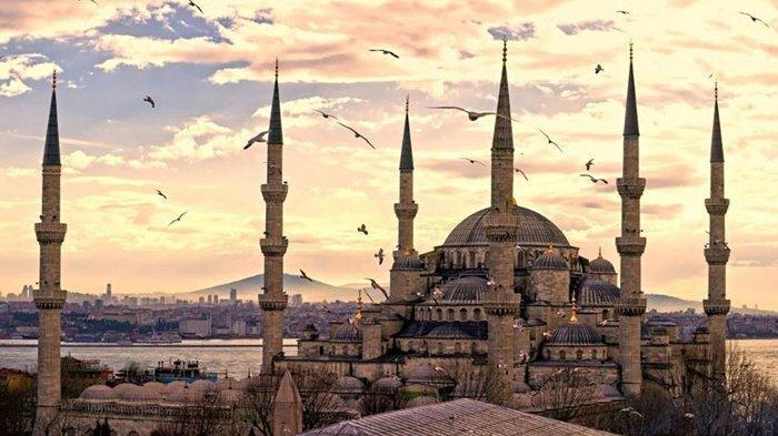 Mengintip Megahnya Blue Mosque atau Masjid Biru Turki, Kembaran Hagia Sophia, Dibangun pada 1600-an