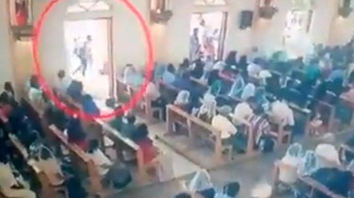 VIDEO Detik-detik Pelaku Bom Menerobos Jamaah dan Ledakkan Diri di Dalam Tempat Ibadah di Sri Lanka