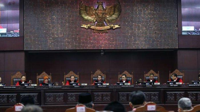 BREAKING NEWS MK Menolak Gugatan Sengketa Hasil Pilpres 2019 Prabowo-Sandi