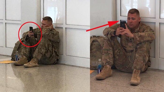 Tentara Duduk Lemas di Bandara sambil Lihat Ponsel, tapi Diam-diam Menangis, Kisahnya Jadi Viral!
