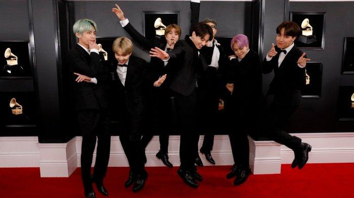 Foto-foto BTS di Grammy Awards 2019, Jadi Presenter dan Selfie Bareng Artis Hollywood