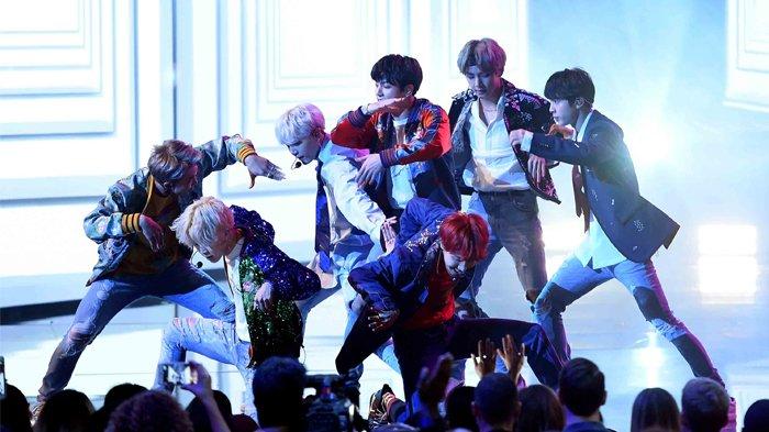 6 Seleb Ini Terang-terangan Akui BTS Populer dan Keren di Acara American Music Awards 2017
